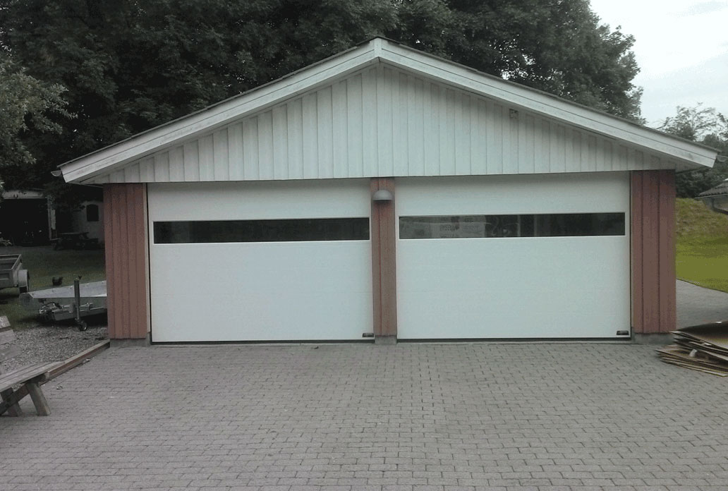 NASSAU multiple white garage door with wide window