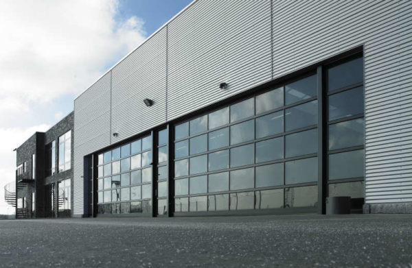 NASSAU 9000 Glass for car workshops and exhibition example