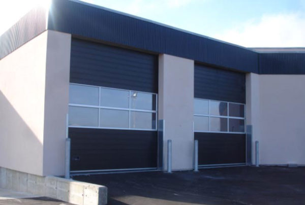 NASSAU 9000 Mix black sectional door for industrial use