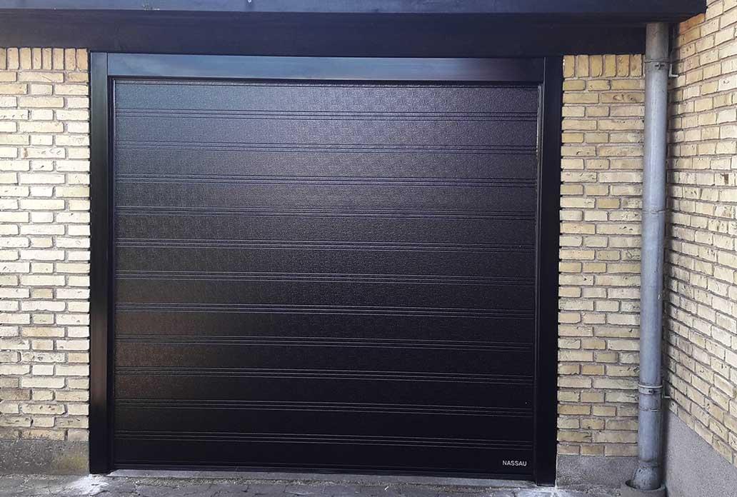 NASSAU black garage door with steel frame