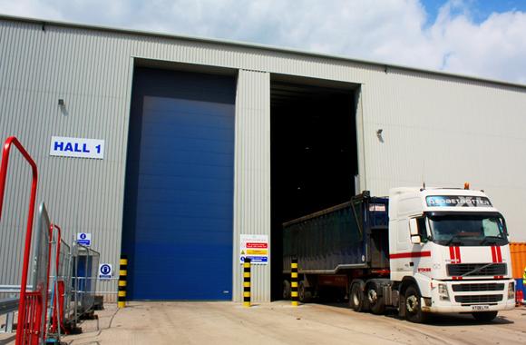 NASSAU UK high sectional door