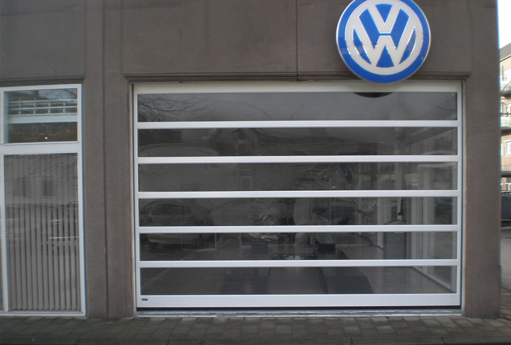 Nassau Panorama garage door example