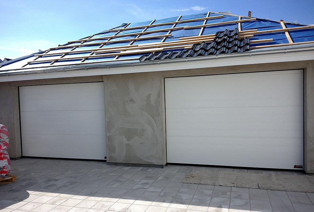 NASSAU white softline garage door with no windows