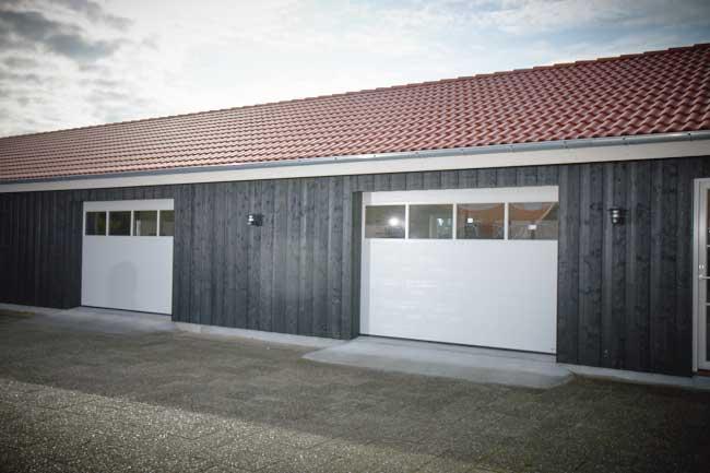 NASSAU design your own garage door