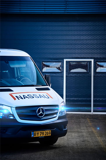 NASSAU 8000 service car